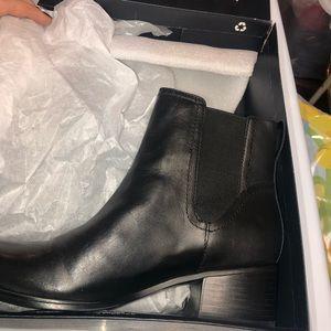 NWT Naturlizer Leather Booties Heel 8.5